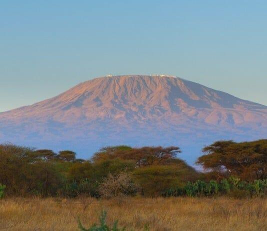 Sonnenaufgang am Kilimanjaro mit Klüger Reisen