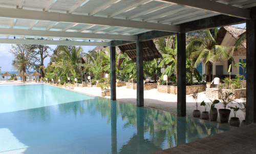 Zanzibar_FUN Beach_Restaurant mit Pool_KLüger Reisen
